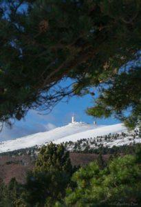 De mooie mont ventoux in de sneeuw_